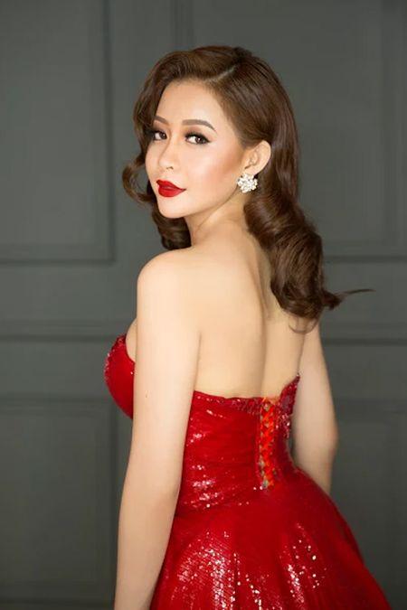 Hoa hau Hai Duong long lay voi dam da hoi do ruc - Anh 1