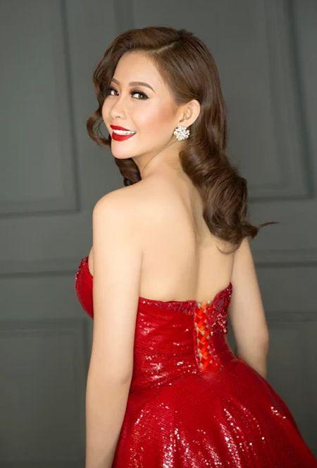 Hoa hau Hai Duong long lay voi dam da hoi do ruc - Anh 3
