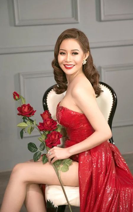 Hoa hau Hai Duong long lay voi dam da hoi do ruc - Anh 5