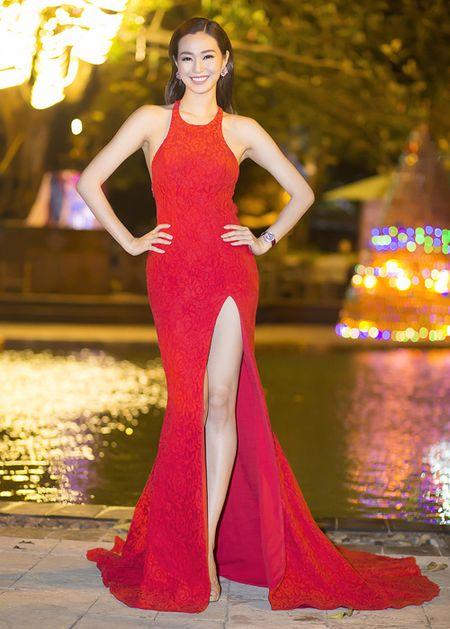 Thoi trang sao Viet dep: Loat my nhan khoe duong cong rao ruc don nam moi - Anh 4