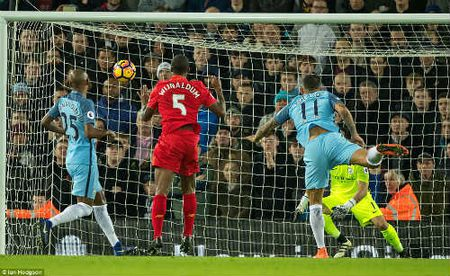 Thang Man City, Liverpool du khien Chelsea e so - Anh 1