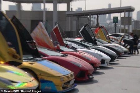 Man nhan voi dan sieu xe Lamborghini tri gia hon 277 ty dong - Anh 1