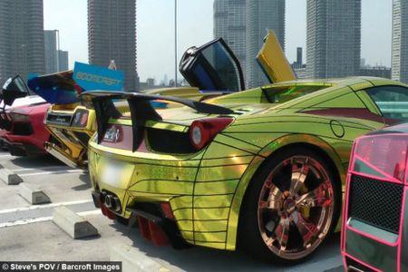 Man nhan voi dan sieu xe Lamborghini tri gia hon 277 ty dong - Anh 8