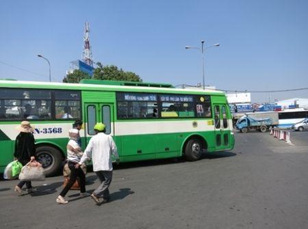 TP.HCM tang hon 650 chuyen xe buyt trong dip tet Nguyen Dan Dinh Dau - Anh 1