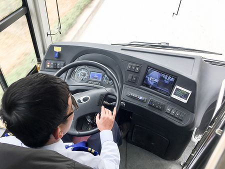 Trai nghiem xe buyt nhanh BRT tai Ha Noi trong ngay dau nam 2017 - Anh 6