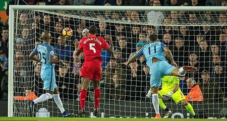Ha guc Man City, Liverpool tiep tuc bam duoi Chelsea - Anh 1