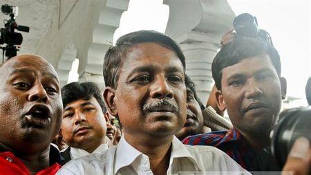 Bangladesh: Quan chuc dang cam quyen bi ban chet tai nha rieng - Anh 1