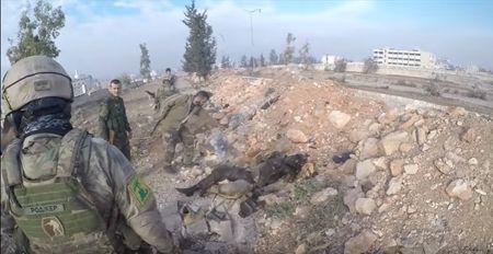 Tran chien Aleppo: Dac nhiem Nga xung tran cung binh si Hezbollah (video) - Anh 3
