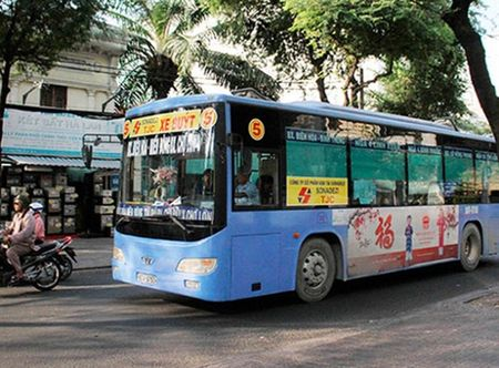 TP.HCM tang hon 650 chuyen xe bus phuc vu Tet Nguyen dan - Anh 1