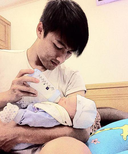 Ky Han khoe anh Mac Hong Quan cho con trai bu binh - Anh 1