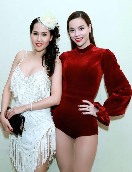 'Gai nhay' Minh Thu khoe dang 'boc lua' voi bo do ngan cun - Anh 2