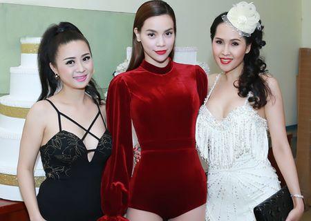 'Gai nhay' Minh Thu khoe dang 'boc lua' voi bo do ngan cun - Anh 3