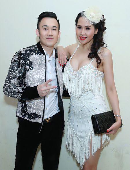 'Gai nhay' Minh Thu khoe dang 'boc lua' voi bo do ngan cun - Anh 5