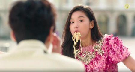 Tray trat dong Huyen thoai bien xanh, Jun Ji Hyun chi duoc giai... canh an an tuong nhat - Anh 2