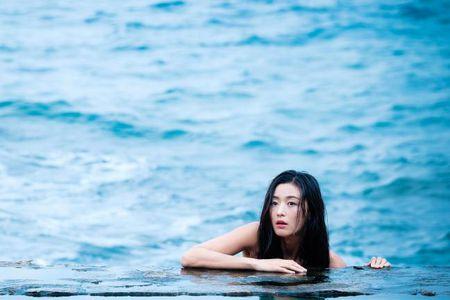 Tray trat dong Huyen thoai bien xanh, Jun Ji Hyun chi duoc giai... canh an an tuong nhat - Anh 3