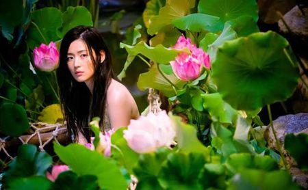Tray trat dong Huyen thoai bien xanh, Jun Ji Hyun chi duoc giai... canh an an tuong nhat - Anh 5
