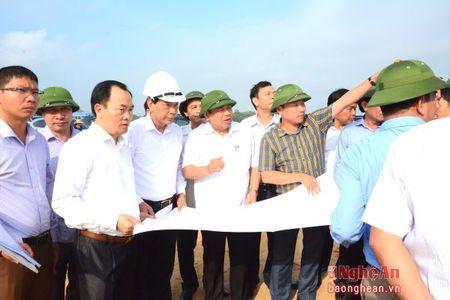 Thi xa Thai Hoa: Phan dau la trung tam cuc tang truong phia Tay - Anh 2