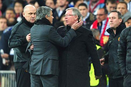 Manchester United tro lai: Dau an 'Nguoi dac biet'! - Anh 1