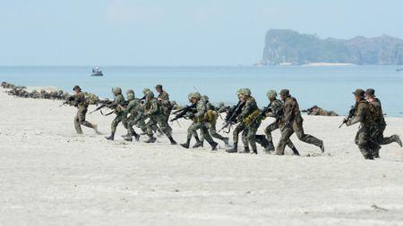 Bien Dong se thu thach ASEAN trong nam 2017 - Anh 1