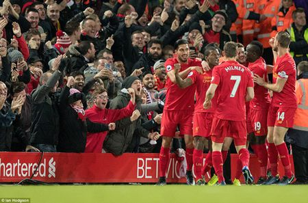 Klopp: 'Liverpool se khien Chelsea thay kho chiu'. Guardiola khan cau su kien nhan - Anh 1