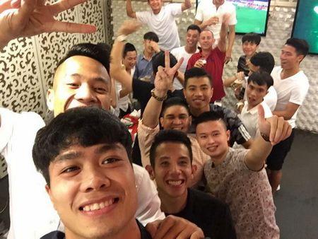 'Tram kieu' chuc mung nam moi cua sao bong da Viet - Anh 5