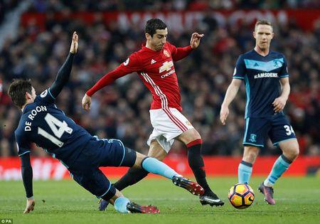 Cham diem MU 2-1 Middlesbrough: Nguoi hung Martial che mo Pogba, Ibra - Anh 10