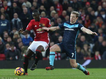 Cham diem MU 2-1 Middlesbrough: Nguoi hung Martial che mo Pogba, Ibra - Anh 3