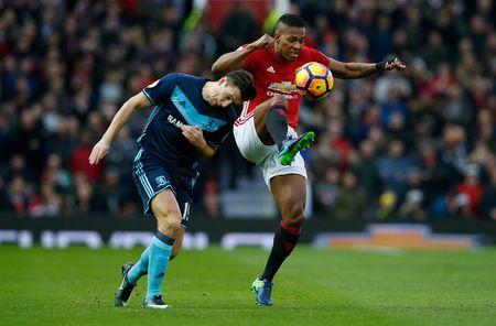 Cham diem MU 2-1 Middlesbrough: Nguoi hung Martial che mo Pogba, Ibra - Anh 5