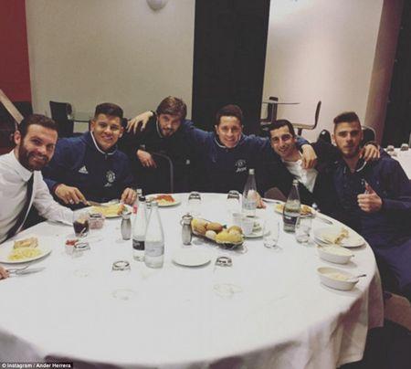 Ronaldo, Sharapova va muon kieu don nam moi cua sao the thao - Anh 3
