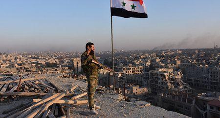 Chien su Syria: Can canh toi ac tan bao phien quan o Aleppo (video) - Anh 1