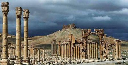 Assad, Trump, Putin bat ngo bat tay giai phong Palmyra? - Anh 1