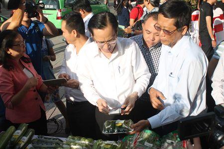 Can Tet: Rau qua truy xuat nguon goc bang Zalo 'chay' hang - Anh 1