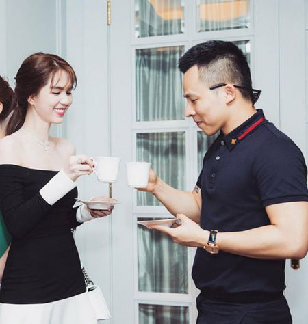 Bi du luan boc me be bang vu dau gia sim, Ngoc Trinh khon hay dai? - Anh 3
