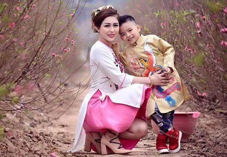 MC Vo Thanh Hien: Tieu Tet 100 trieu va cung con trai di du lich de 'xa stress' - Anh 1
