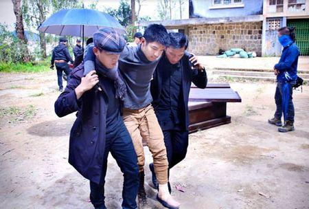 Phim moi cua Victor Vu tung poster nhu 'bom tan' sieu anh hung - Anh 5