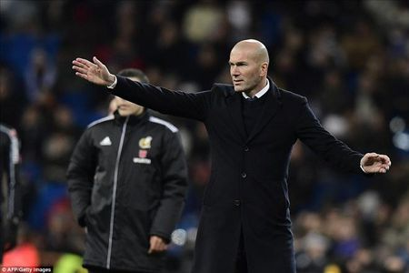 Real Madrid 1-2 Celta Vigo: Bao dong cho Ronaldo va Zidane - Anh 4