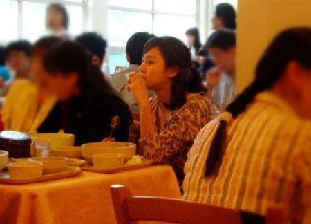Ngam Kim Tae Hee xinh dep thuo hoc sinh - Anh 4