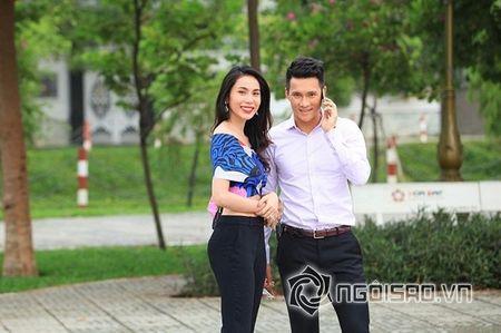 Thuy Tien chi tien 'khung' mua dien thoai Vertu tang chong - Anh 1