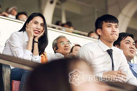 Thuy Tien chi tien 'khung' mua dien thoai Vertu tang chong - Anh 6