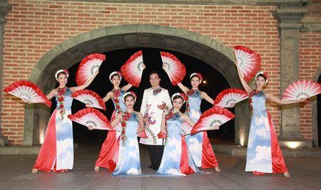 Ca si Viet Thang ra mat MV Xuan dam chat dan gian - Anh 2