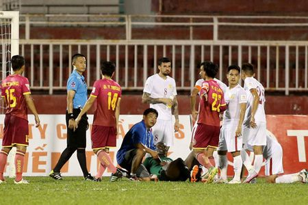 HLV Duc Thang dung giai Fair Play de 'da xoay' tran derby Sai Gon - Anh 2