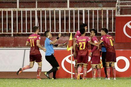 HLV Duc Thang dung giai Fair Play de 'da xoay' tran derby Sai Gon - Anh 3