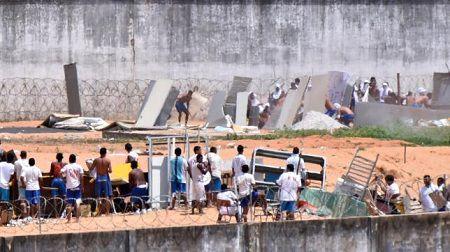 Brazil: Bao loan moi nhat tai nha tu tung co 26 tu nhan bi sat hai - Anh 1