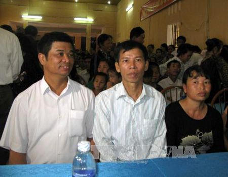 Hai can bo ra toa vi lam sai lech ho so, ham oan ong Nguyen Thanh Chan - Anh 1