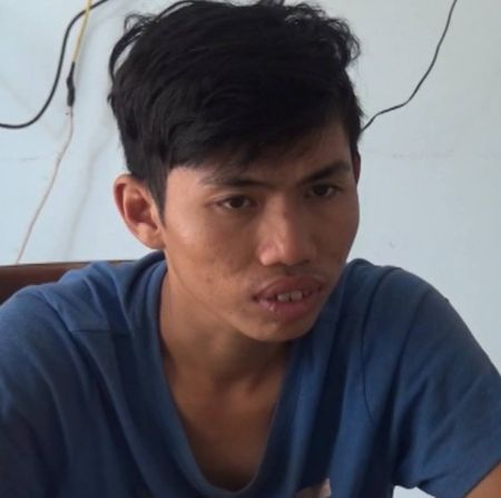 Tam giu cac doi tuong tham gia 'hon chien' dan mat tinh dich - Anh 1