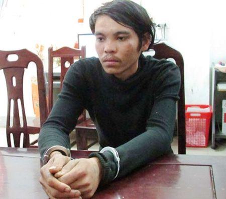 Tam giu hinh su doi tuong chem phu nu chan thuong so nao dau nam - Anh 1