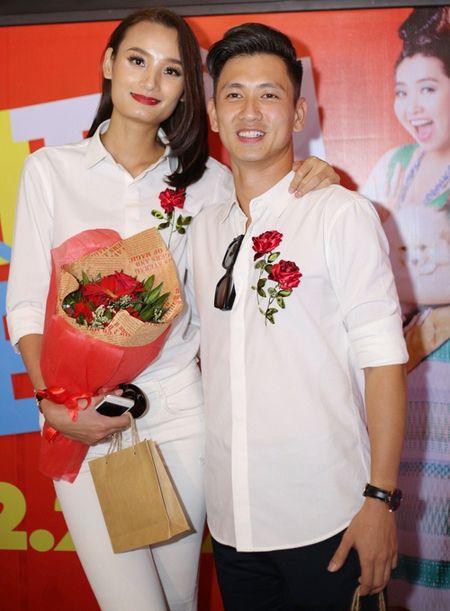 Chong Le Thuy an can cham soc vo tai su kien - Anh 1