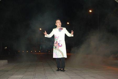 Giong hat cheo Viet Thang ra MV mang am huong dan gian va bolero - Anh 1