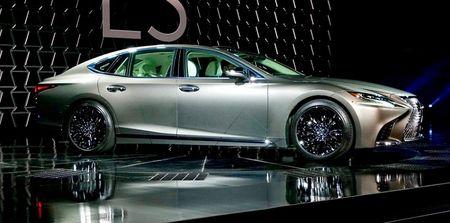 Tiet lo moi nhat ve sieu xe Lexus LS 2018 - Anh 1
