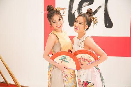 Hoang Thuy Linh 'bat tay' cung Chi Pu tung MV don xuan ruc ro - Anh 2